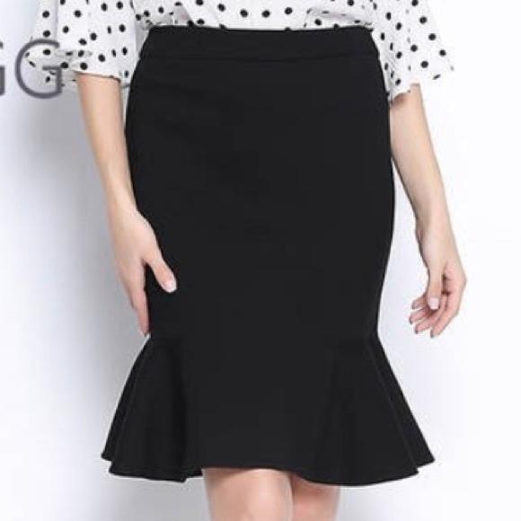 Kate Hill Dresses & Skirts - Kate Hill Petite Full Bloom Fishtail Skirt
